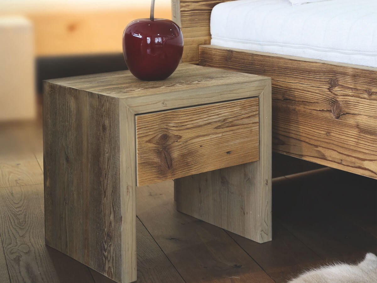 designer bettgestell aus altholz betten ullmann. Black Bedroom Furniture Sets. Home Design Ideas